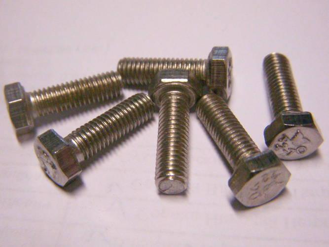 Нержавеющие болты 5*12 на клинья электрорубанка под ключ