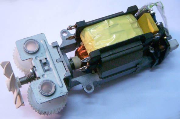 Электродвигатель AC4535M230V для бытового миксера Сатурн