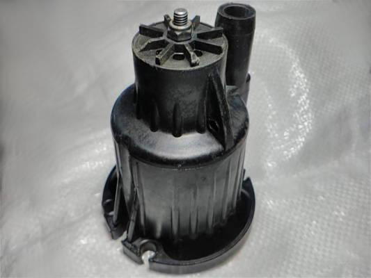 Верхняя пластиковая крышка вибрационного насоса Каштан