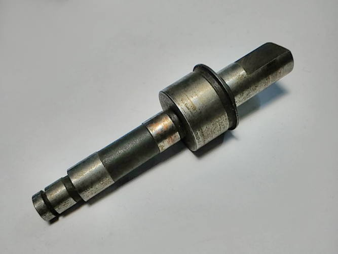 Вал 84-10*12*20 в редуктор цепной электропилы