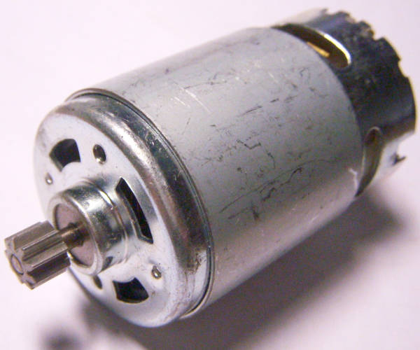 Электродвигатель для шуруповерта d37*L57 питанием 14,4 Вольт