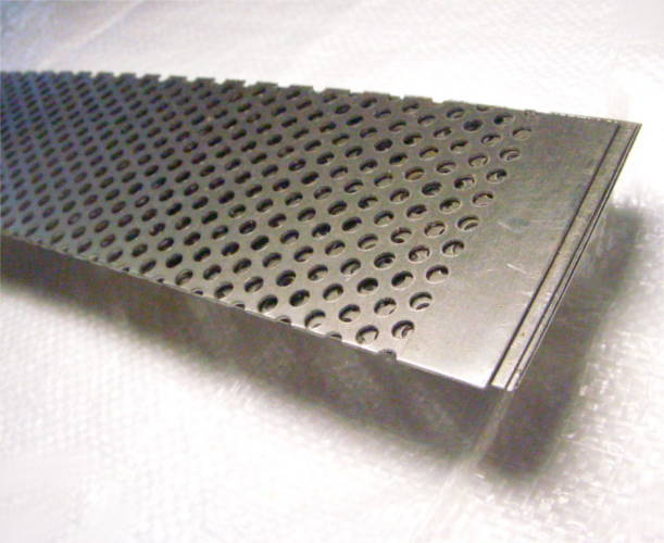 Метровая 1000*80 мм сетка зернодробилки с ячейкой 5 мм
