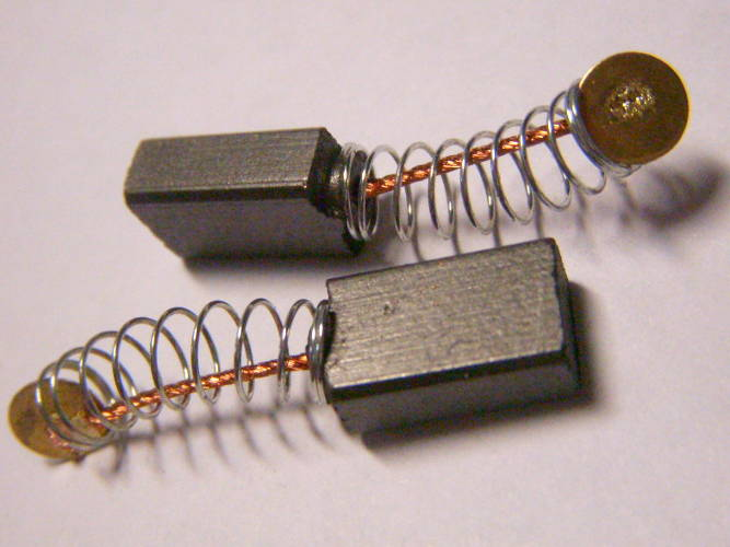 Щетки графитовые сечением 5*8-13 мм с пятачком 6 мм