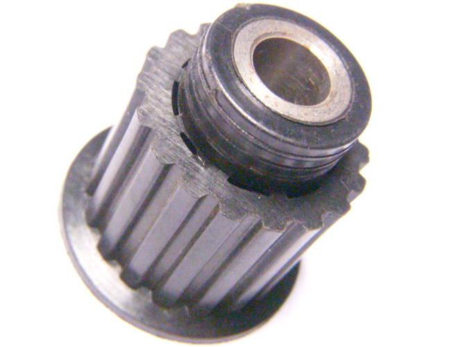Меньший шкив электрорубанка Фиолент на резьбе