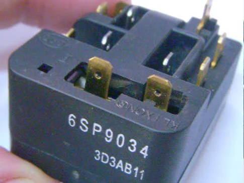 Пусковое реле 6SP9034-3D3AB11 холодильника Indesit, Ariston