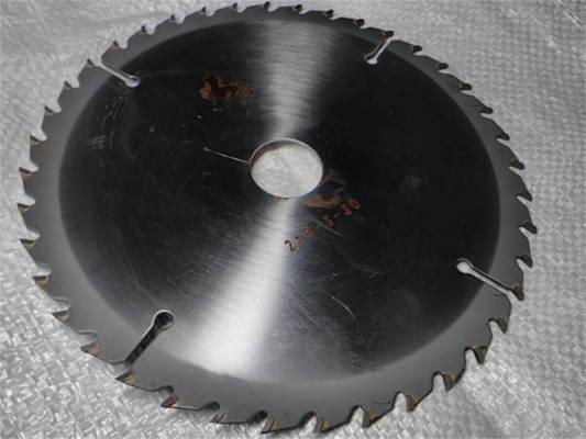 Отрезной диск 210-3-30-z40 с победитовыми 40 зубами для циркулярной пилы