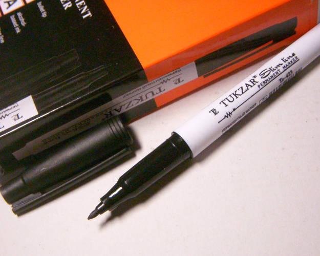 Тонкий черный маркер с пулевидным наконечником под линию 1 мм