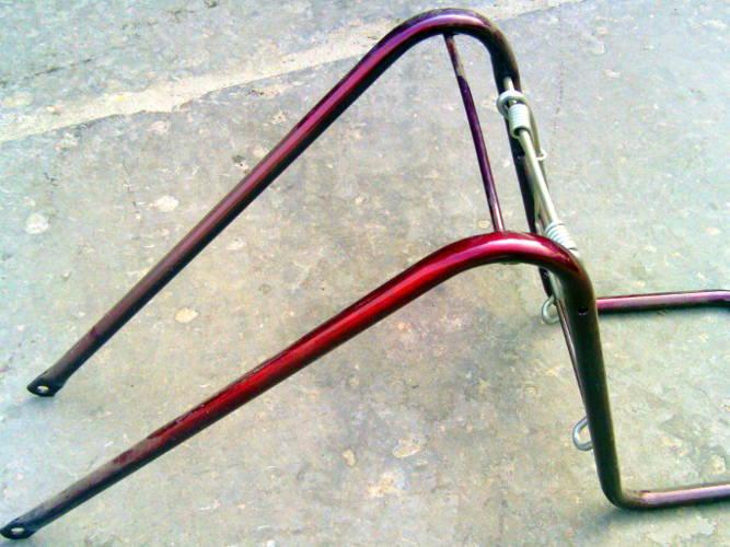 Передний багажник с пружинным держателем