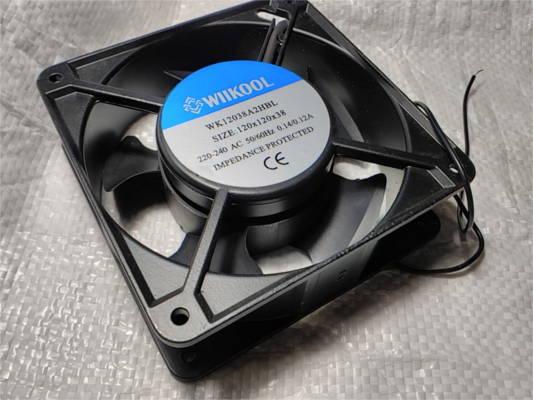 Вентилятор 120*120*38 220 В на подшипнике