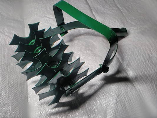 Ручной 4-х лопастный культиватор с плоскорезом