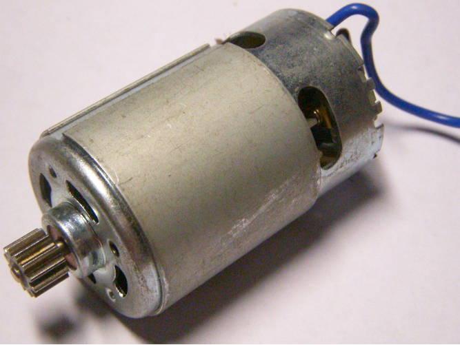 Двигатель шуруповерта на 12 Вольт с шестерней на 12 зубов
