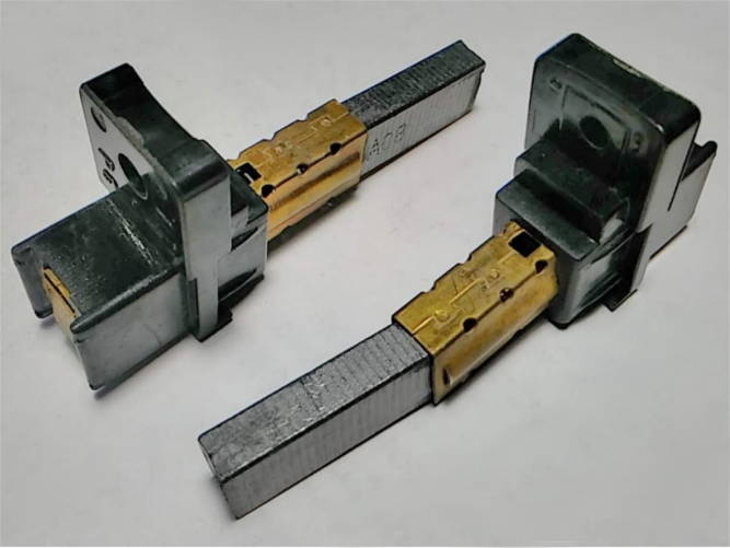 Щетки с держателями на двигатель пылесоса Gorenje KCL23-15PH