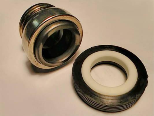 Торцевой сальник на вал 17 мм и кольцом 36 мм