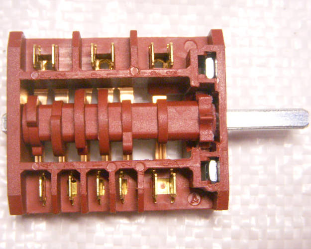 7-ми позиционный переключатель 10-16 Ампер, 80K700.7117224000 электроплиты типа Indesit