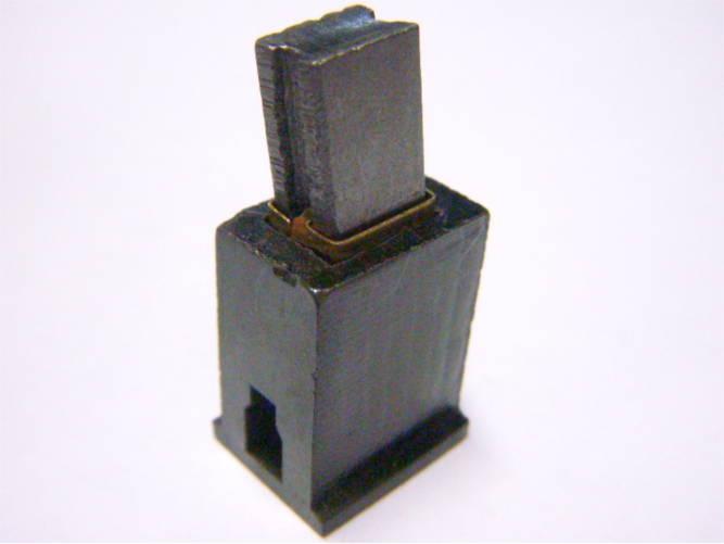 Щеткодержатель 16*11*21 для циркулярной пилы под щетку 6*9 мм