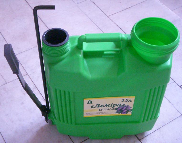 Бак опрыскивателя Лемира емкостью 15 литров