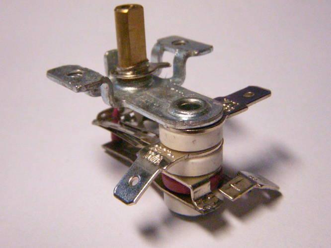 Биметаллический термостат TK095 с дополнительным контактом