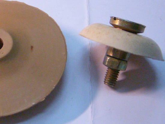 Комплект поршень и клапан с винтом для вибронасоса ДАЧНИК