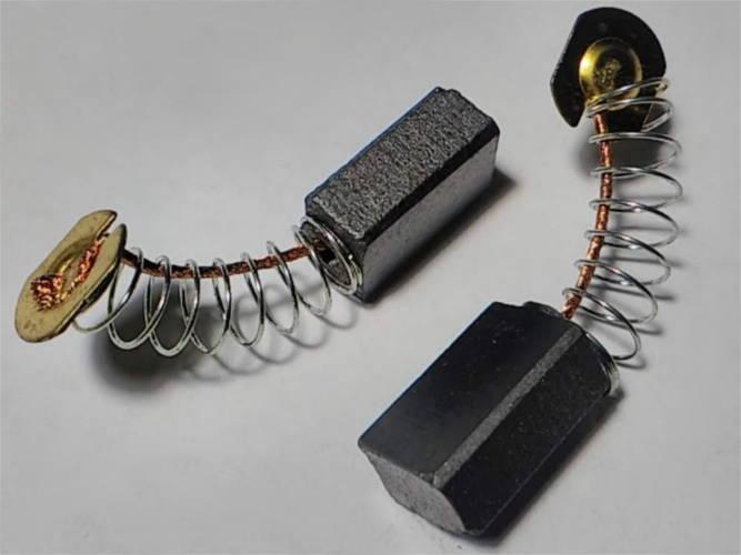 Щетки 6*9*13 на болгарку, электропилу с пятаком 9 мм