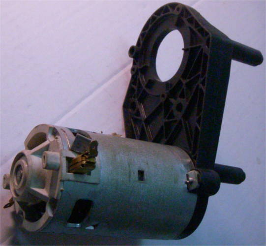 Электродвигатель мясорубки кухонного комбайна ZELMER
