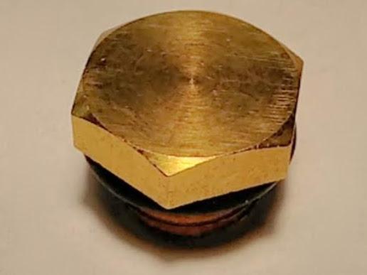 Винт заглушка крышки насоса под резьбу 12 мм
