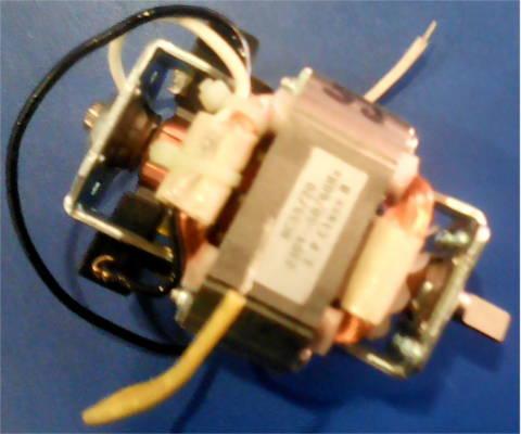 Электродвигатель миксера с валом поперечный спил