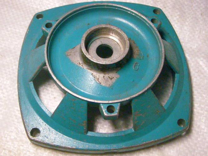 Центральная алюминиевая опора 86-104-163-d32 для насоса без ног