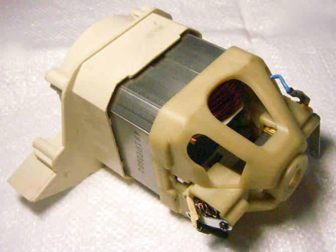 Статор 76*76 мм в корпусе в сборе с опорой якоря, щеткодержателями цепной электропилы