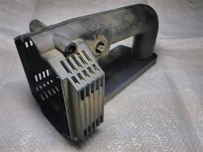 Задняя ручка корпуса цепной электропилы