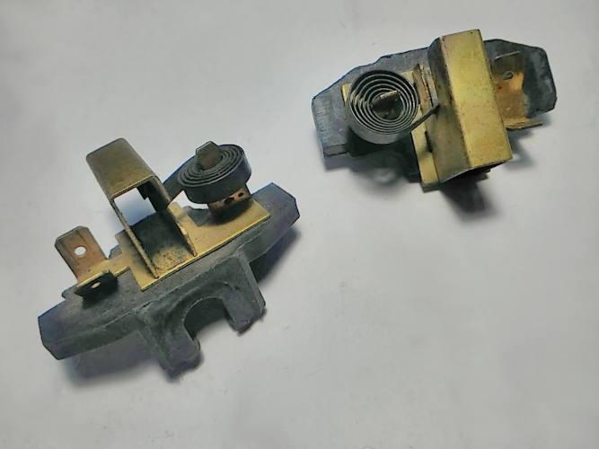 Щеткодержатели электропилы 6.5*15.5 L22