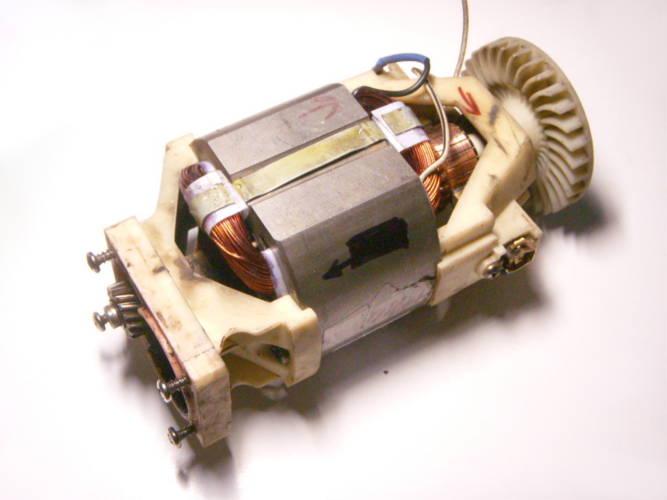 Ремонт статора двигателя электрокосы SADKO ETR 1400