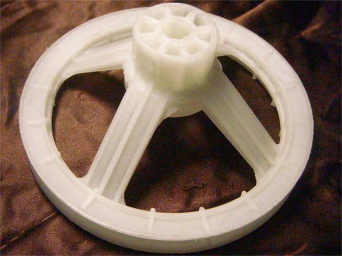 Пластиковый шкив 135*58 под болт для стиральной машины