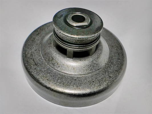 Чашка сцепления цепной электропилы Makita UC4030A
