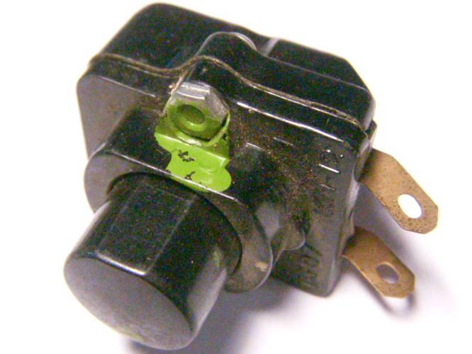 Кнопка на 6А (11506-11507) для советских электроприборов