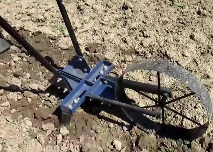 Ручной многофункциональный землероб на колесе