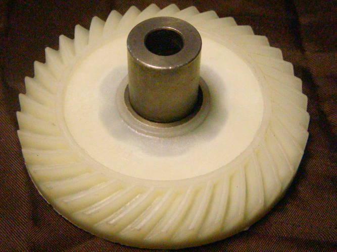 Белая шестерня цепной электропилы Klever YT 4764, Лидер, Ритм, Титан