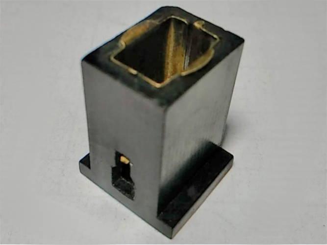 Щеткодержатель 12*16*h22 на дисковую электропилу