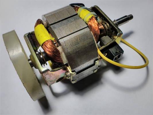 Двигатель 132 мм для электросоковыжималки, блендера