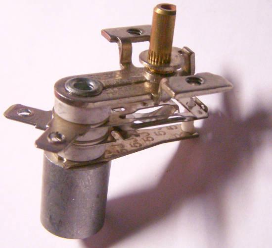 Биметаллический термостат KST220 10 ампер на металлической втулке