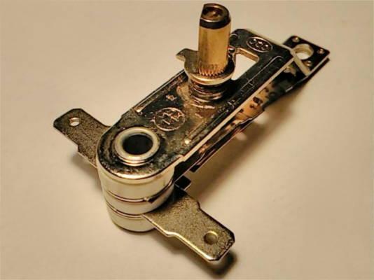 Терморегулятор KST820 на 16 ампер с коротким штоком 10 мм
