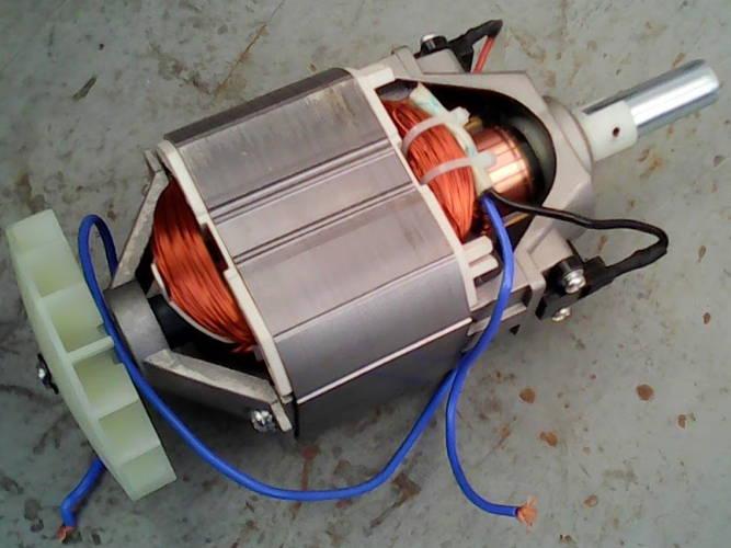 Электродвигатель электрокосы Уралмаш со статором длиной 50 мм