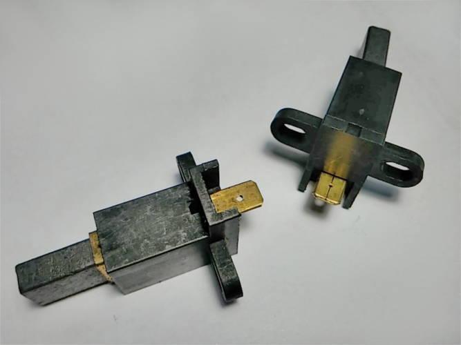 Щеткодержатели электрокосы 13*16 высотой 26 мм с нижней клеммой