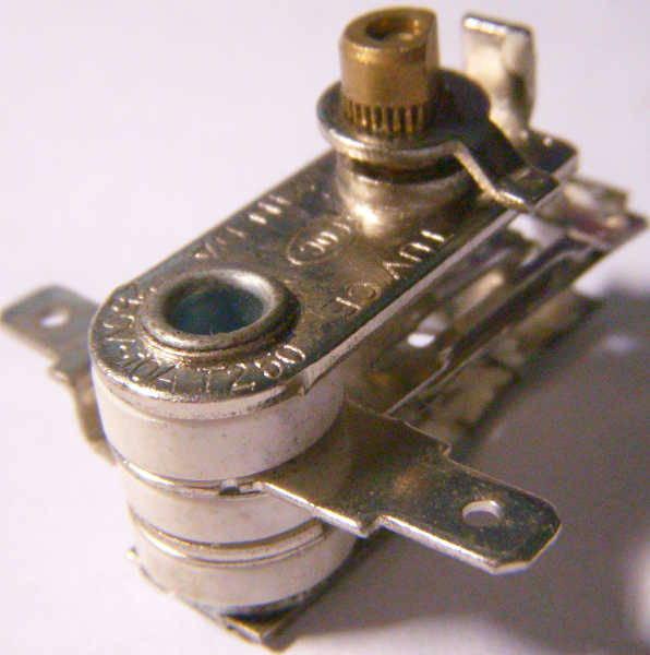 Биметаллический терморегулятор на 10 Ампер для электровафельницы