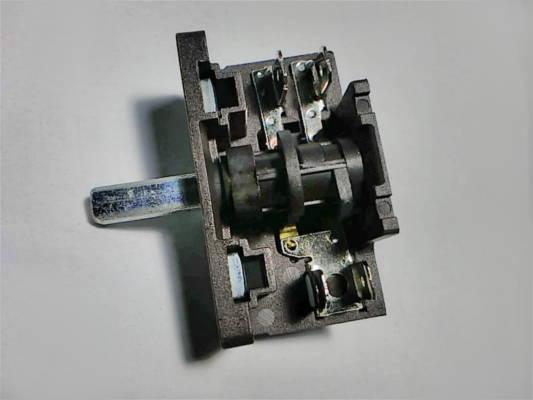 Переключатель AC2 30 E3 T150 электроплиты на 2*2 контакта