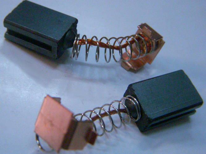Графитовые токосъемные щетки 6*10 для электропилы Rebir