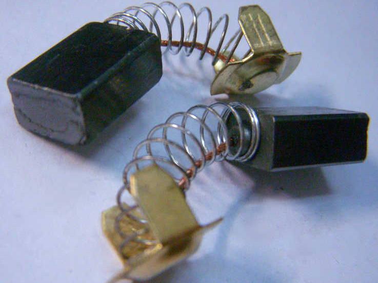 Щетки коллектора болгарки Craft CAG-125/1300E на защелке сечением 7*11