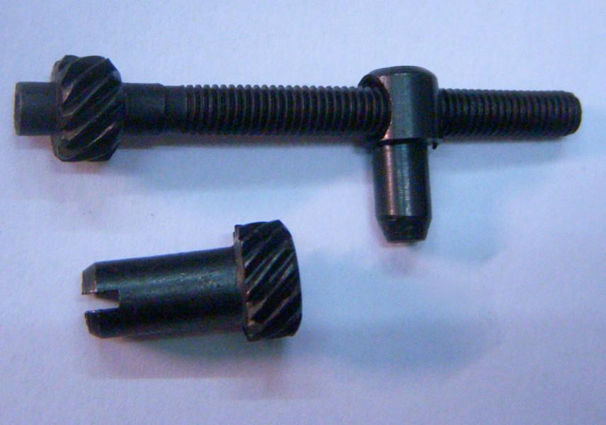 Натяжитель цепи электропилы, длина 57 мм, резьба 5 мм