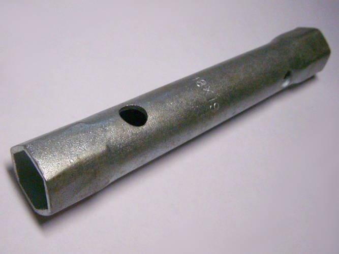 Торцевой ключ 18*19-L164-d23 под гайку 18*19 мм