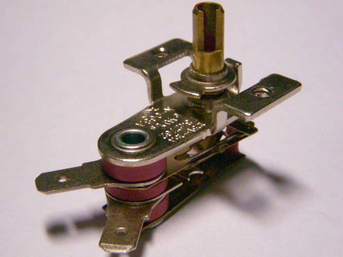 Биметаллический терморегулятор K-068A-E342762 на 15 Ампер 125°C