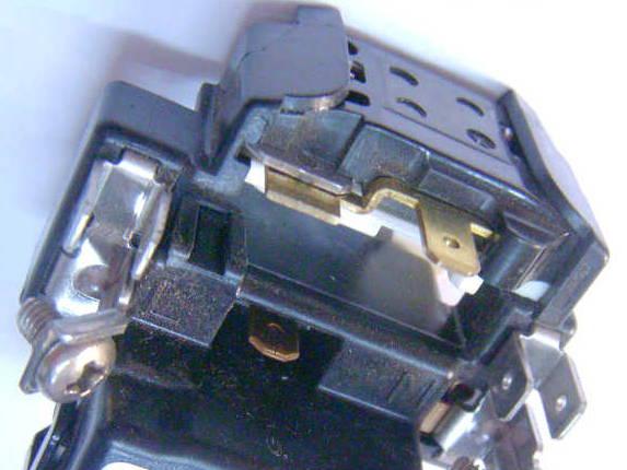 Пусковое реле компрессора холодильника Whirlpool